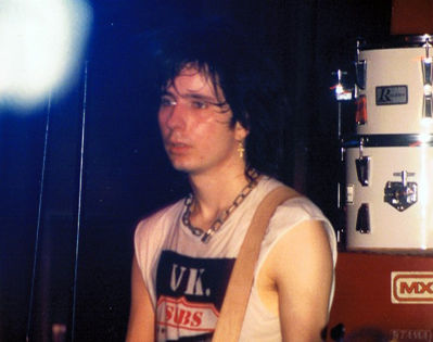 Mark at the 100 Club, London, 1987 - click image to enlarge