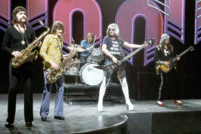 Overend Watts of Mott the Hoople, in large white boots! Click to enlarge